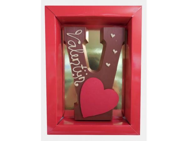 Letter V met hart en tekst: Valentijn