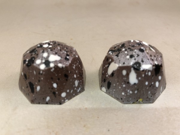 Diamond collection snicker caramel bonbon